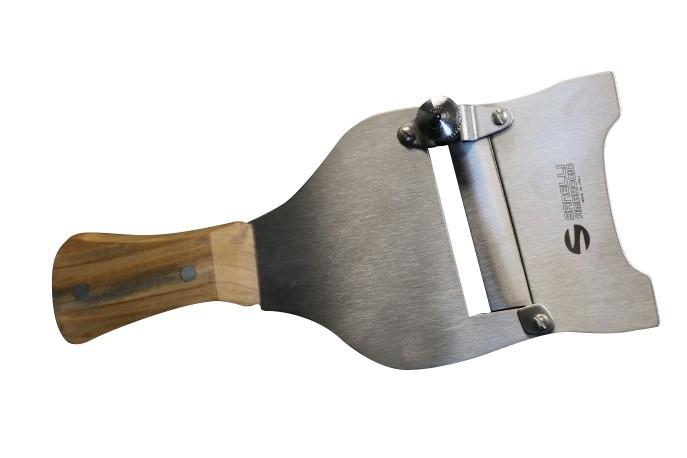 Mandoline à truffe manche en bois